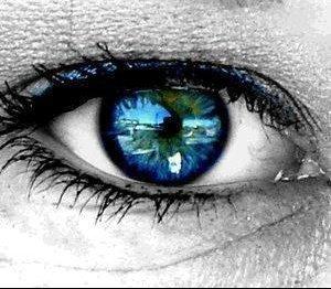 """"""" Les yeux sont les fenêtres de l'âme."""""""
