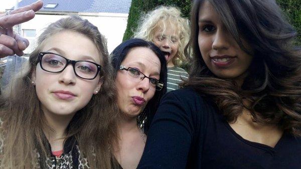 Petit déconnage avec ma fille Lorna et ma nièce Vyna