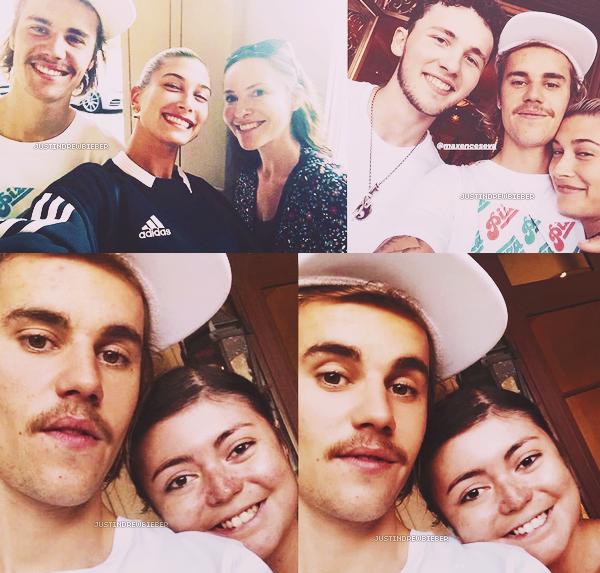 * =' 27 AUGUST ●=   Justin et Hailey Baldwin avec des fans à Los Angeles. *