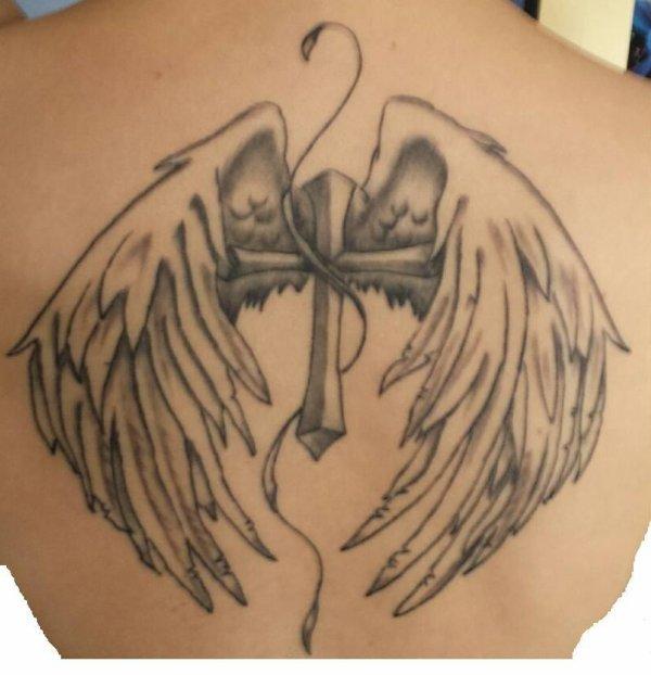 Pour Dolores Triquoit, le voici tatoué, retouché, terminé !