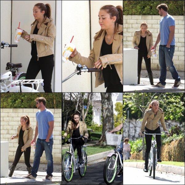 . 07.03.10 : Miley et Liam se sont rendus à Velo chez Jamba Juice à Toluca Lake. .