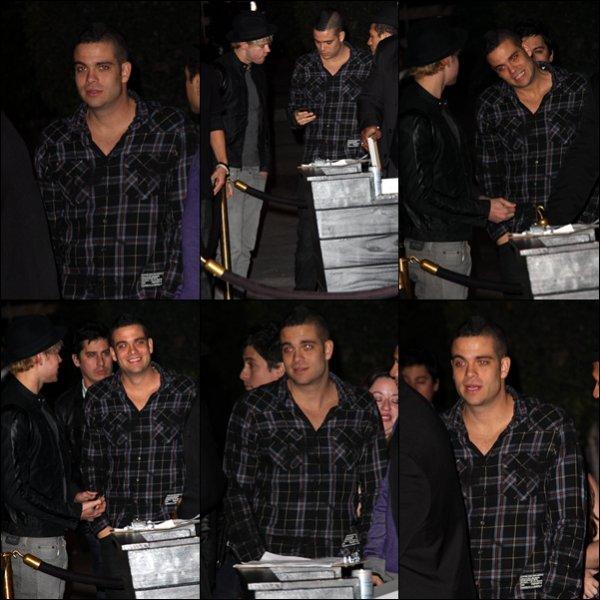 . 21.11.10 Au soir : Miley se rendant à sa fête d'anniversaire.  + Mark Salling et Chord Overstreet, deux des principaux acteurs de Glee s'y rendaient aussi..