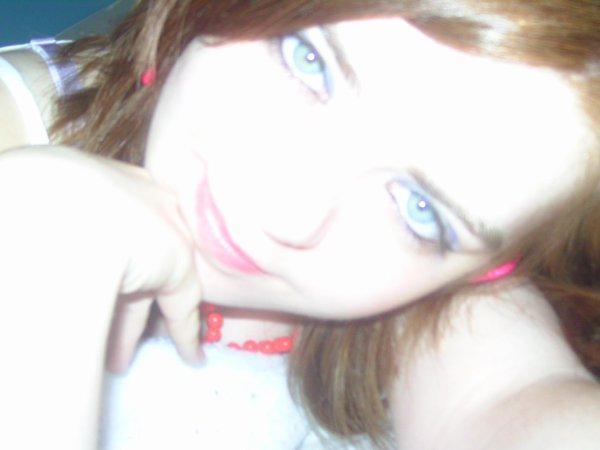 Je suis comme un miroir : tu me souris, je te souris ;  tu me fais la gueule, je te fais la gueule ; tu me brises, je te blesse !