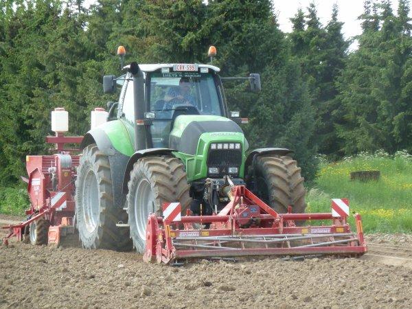 Plantations patates 2012 avec un deutz