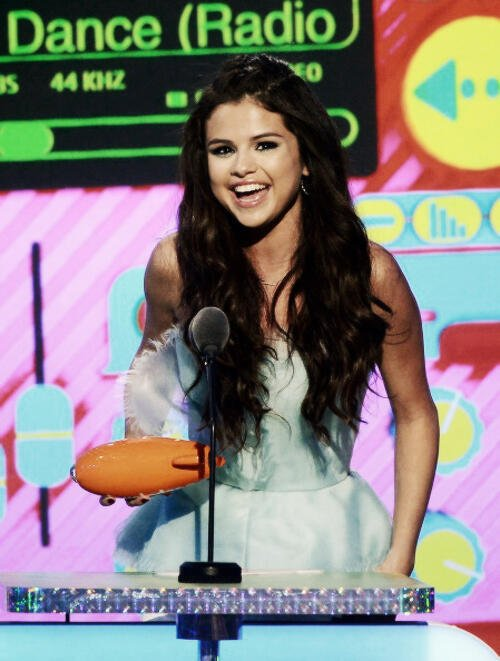 23/03/2013 Selena etait au Kids Choice Awards