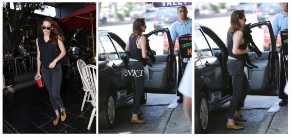 Kristen le 2 août avec un ami dans une voiture + une photo posté par sa co star sur instagram + allant et sortant d'un fast food avec ses amis et son chien le 13 août + Taylor à LAX le 14 août + Kristen le 15 quand elle sort d'une banque + nouvelle affiche de Florabotanica : SUBLIIIME!