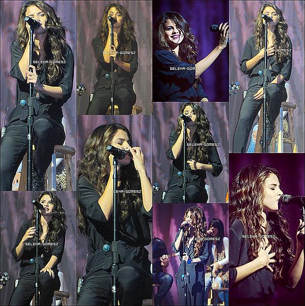 . 16/10/13 : Sel était à la radio Sirius XM qui se situe à New-York, elle y a chantée quelque chansons + Meet and Greet .