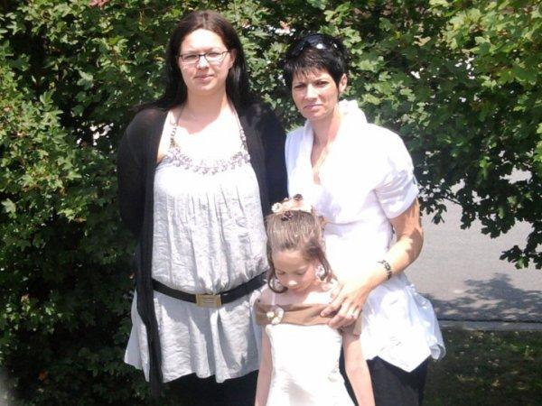 mes 2 soeurs et ma mére