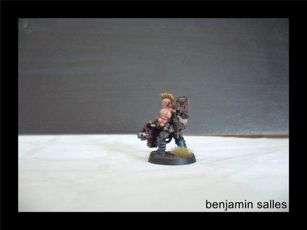 Goliath du jeu Nécromunda, converti avec un bolter lourd plus récent.