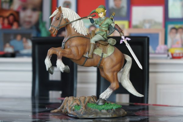 statue zelda ocarina of time statue