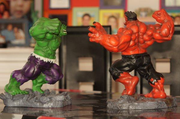 statue hulk kotobukiya