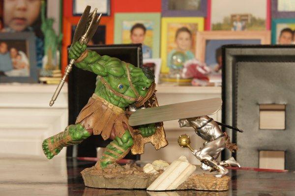 diorama hulk vs silver surfer