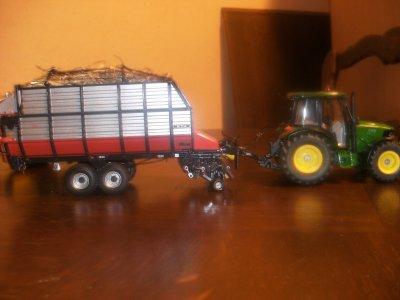 voila des nouvelles photos de mes miniatures et divers matériel, vaches du GAEC Le Chotard