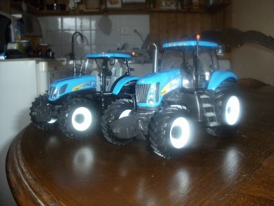 NEW HOLLAND T 8040 ET T 7060