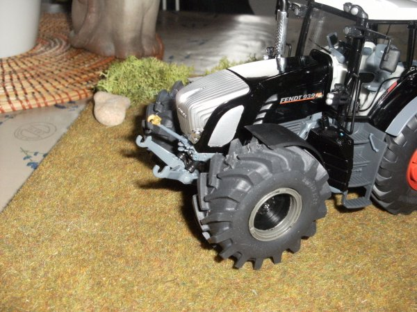 DEBUT DE MODIF DU FENDT 939 BLACK EDITION