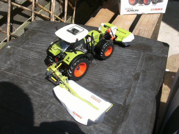 NOUVEAU CLAAS ARION 650 WIKING