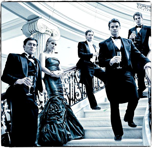 """Un cliché promotionnel inédit des Originaux + un magnifique photoshoot de Nina, Paul & Ian + une nouvelle vidéo de l'épisode 14 : """"Dangerous Liaisons"""" !"""