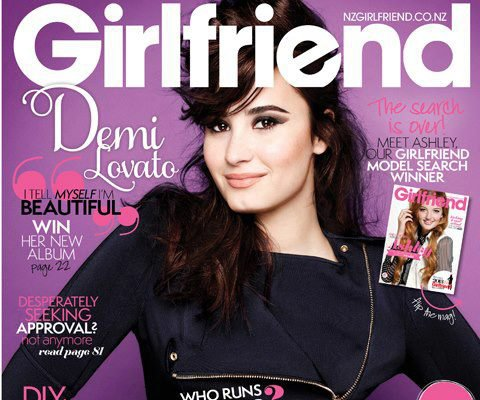 "Demi en converture du magazine ""Girlfriend"" (l)"