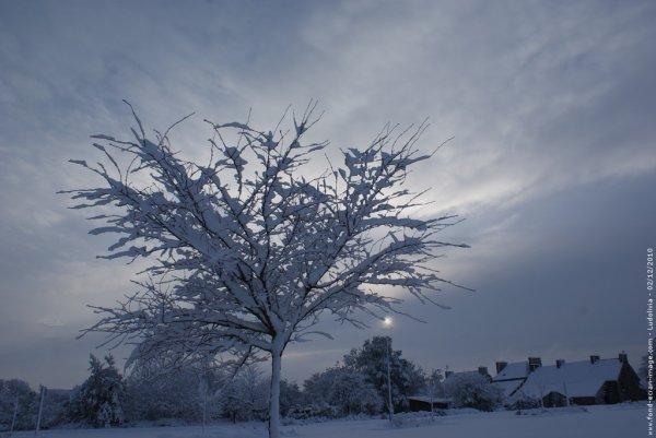 ' TI   FRÈRE   ET   NEIGE   SNOW   NEIGE   SNOW   NEIGE   SNOW