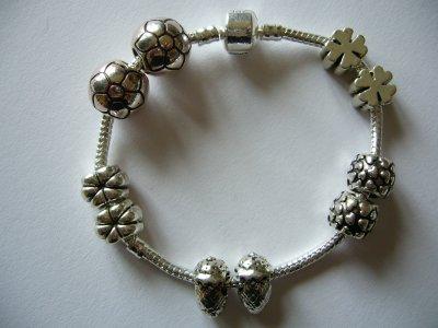 Les Perles en Métal Argenté