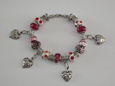 """Bracelet """"Les Coeurs de Fraises"""""""