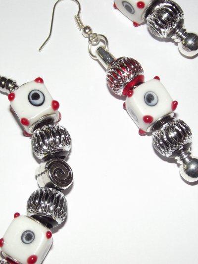 """Boucles d'Oreilles et/ou Bracelet """"Les Yeux de Carrés"""""""