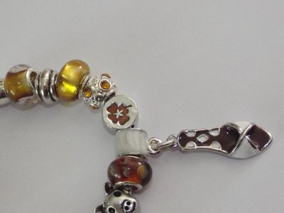 """Boucles d'Oreilles et/ou Bracelet """"Les Sandales Marrons"""""""
