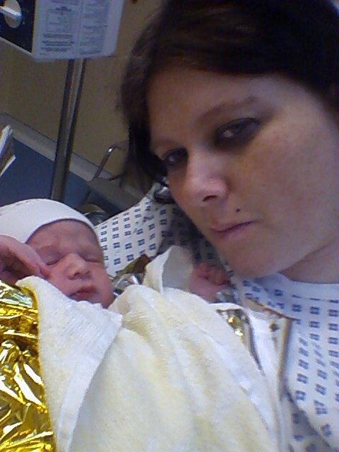 Moi et mon fils apres l'accouchement
