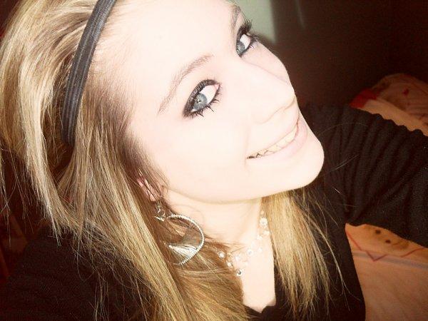 Si j'avais le coeur dur comme de la pierre, J'embrasserais tous les garçons de la Terre. Mais moi j'ai le coeur comme du chewing gum : Tu me goûtes et je te colle. ♥