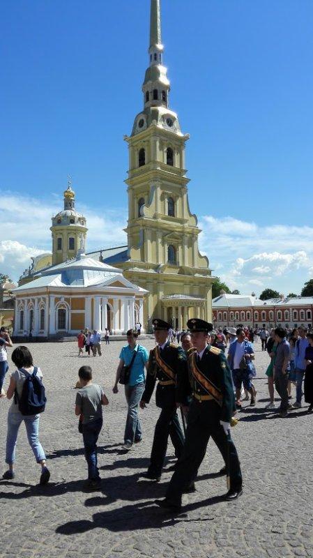 St. Nicholas Naval Cathedral &  Peter en Paulus Vesting.