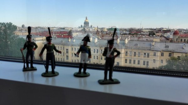 Militaire ondersteuning in Hermitage Museum.