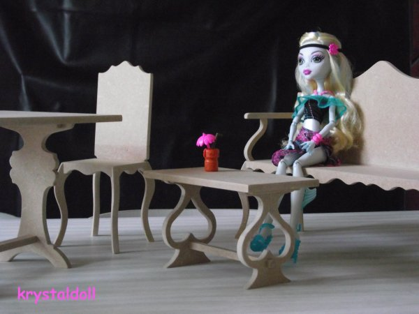 meubles pour monster high les miens je suis une maman trentenaire qui aime les. Black Bedroom Furniture Sets. Home Design Ideas