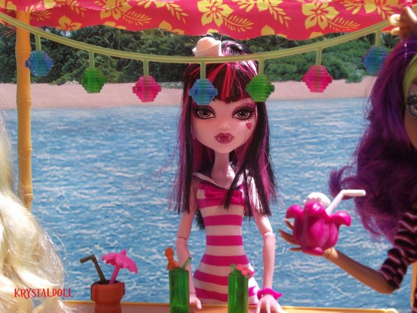 Ma collection Monster High : Lagoona et Draculaura Skull shores en vacances suite