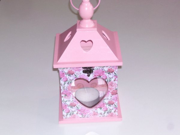 lanterne en bois rose décoratif