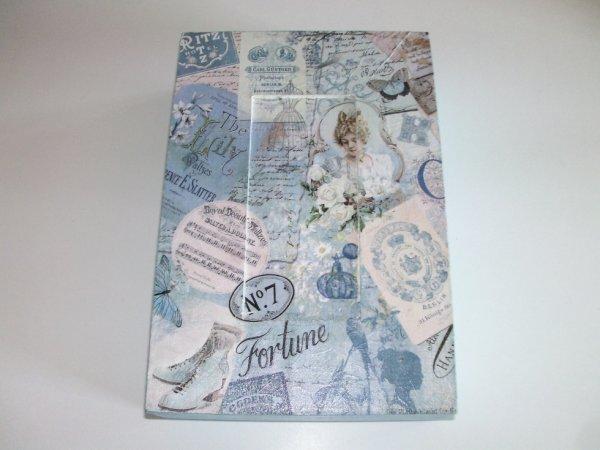 boîte à clés décorative blanche et bleu