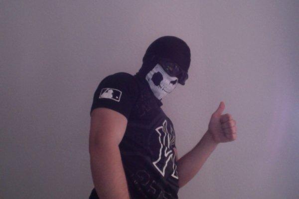 un nouveaux masque pour une soirée te oui c'est pas rien que je suis DJ-GOHST