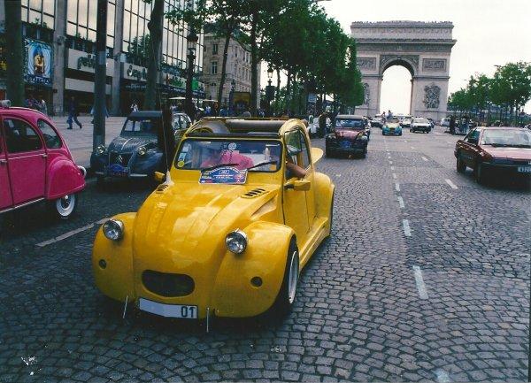 MA 2CV A PARIS