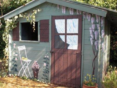dessin sur une cabane de jardin mes cr ations florals. Black Bedroom Furniture Sets. Home Design Ideas