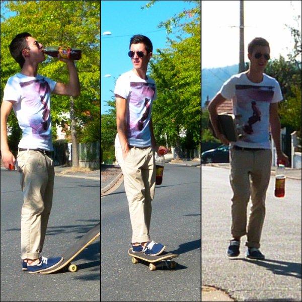 Kévin qui fait du Skate // 8 Septembre 2012.