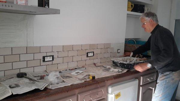 Finition de la cuisine les jeanne for Finition cuisine