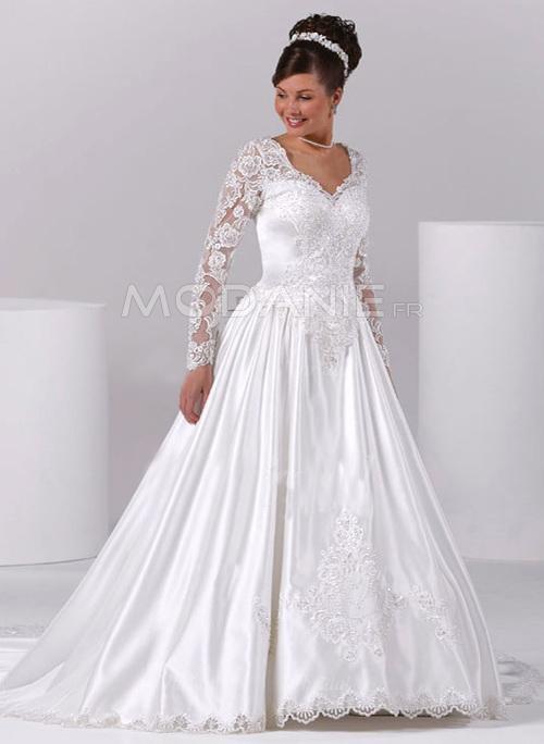 robe de mari e grande taille 2015 pour les rondes modanie. Black Bedroom Furniture Sets. Home Design Ideas