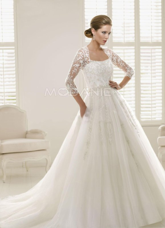 Articles de modanie tagg s robe de mari e grande taille for Meilleurs concepteurs de robe de mariage de plage