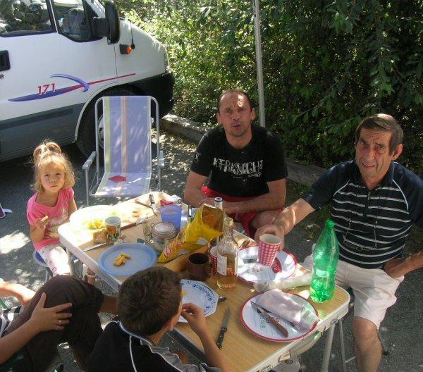 HOMMAGE A L'AMI BERNUCHE -  A NOS SOUVENIRS CAMPING CAR