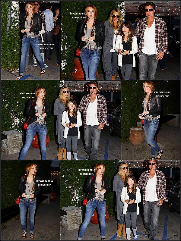 . 21/04/11 : Miley et  sa famille sont aller dîner chez Casa Vega à Los Angeles. TOP ou FLOP ? .20/04/11 :   Miley a rencontré 14 enfants malades d'une association « Make A Wish » . TOP ou FLOP ? .