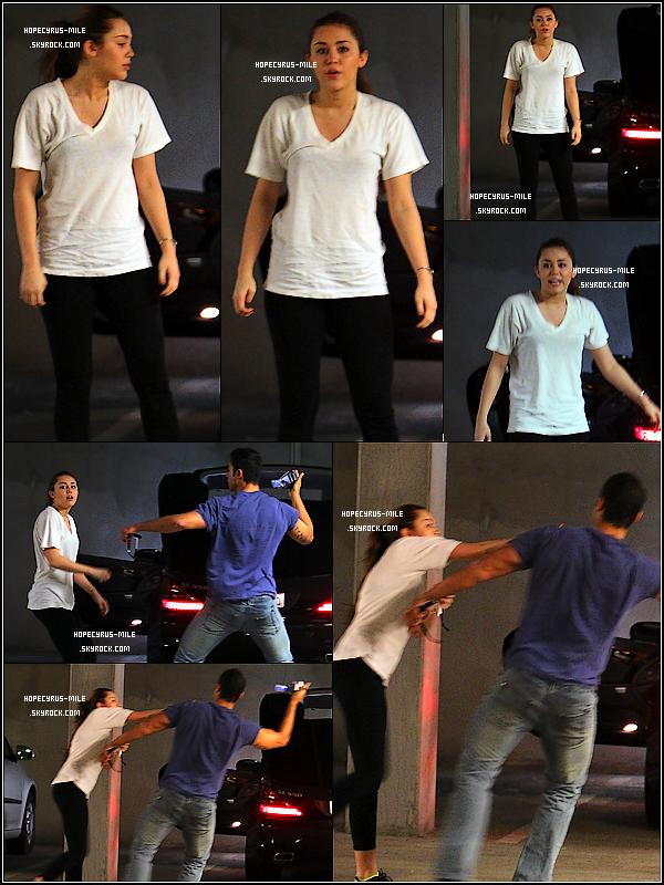 - 09/03/11 : Miley quittant son cour de gym en se disputant encore avec un papz'.TOP ou FLOP ? . -