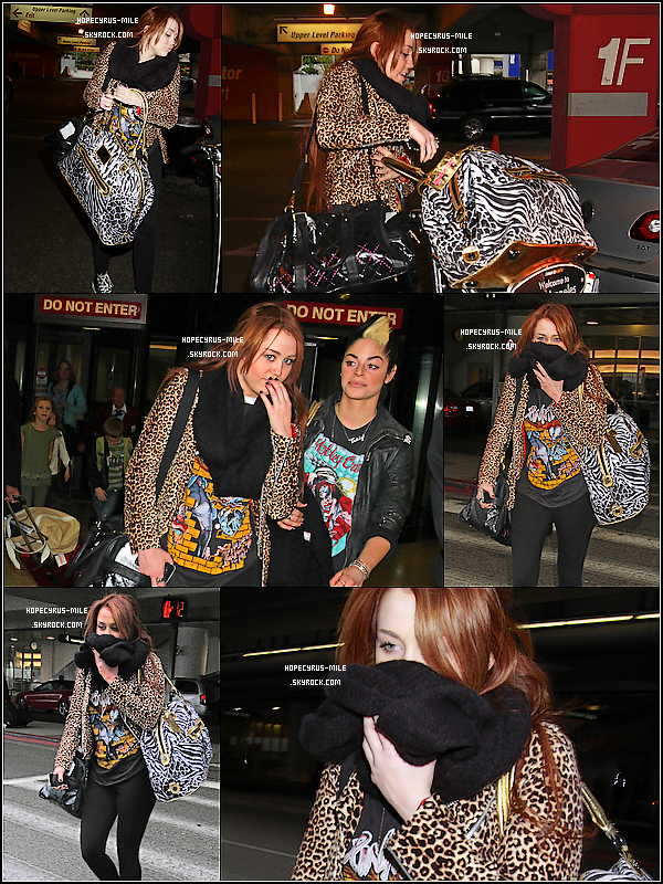 - 06/03/11: Miley Cyrus à l'aéroport de New York direction L.A . TOP ou FLOP ? .Le soir même, Miley Cyrus arrive à l'aéroport de LAX à L.A -