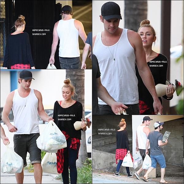 """. 02.07.12.Notre couple adorée est allé faire du shopping chez """"Marchalls"""" TOP ou FLOP?."""