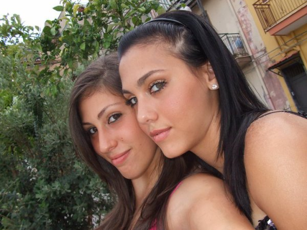 Moi & Ma Cousine Silvia En Sicile