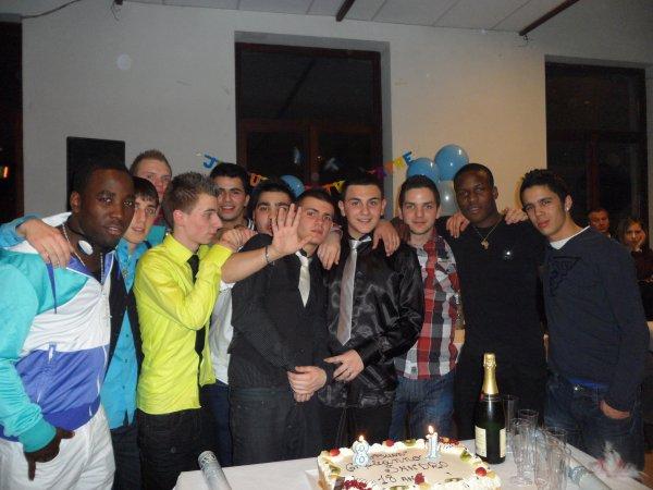 Les Jeunes =D ( anniversaire Sandro )