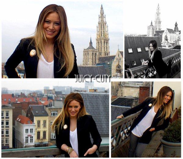Hilary durant son séjour à Amsterdam et en Belgique